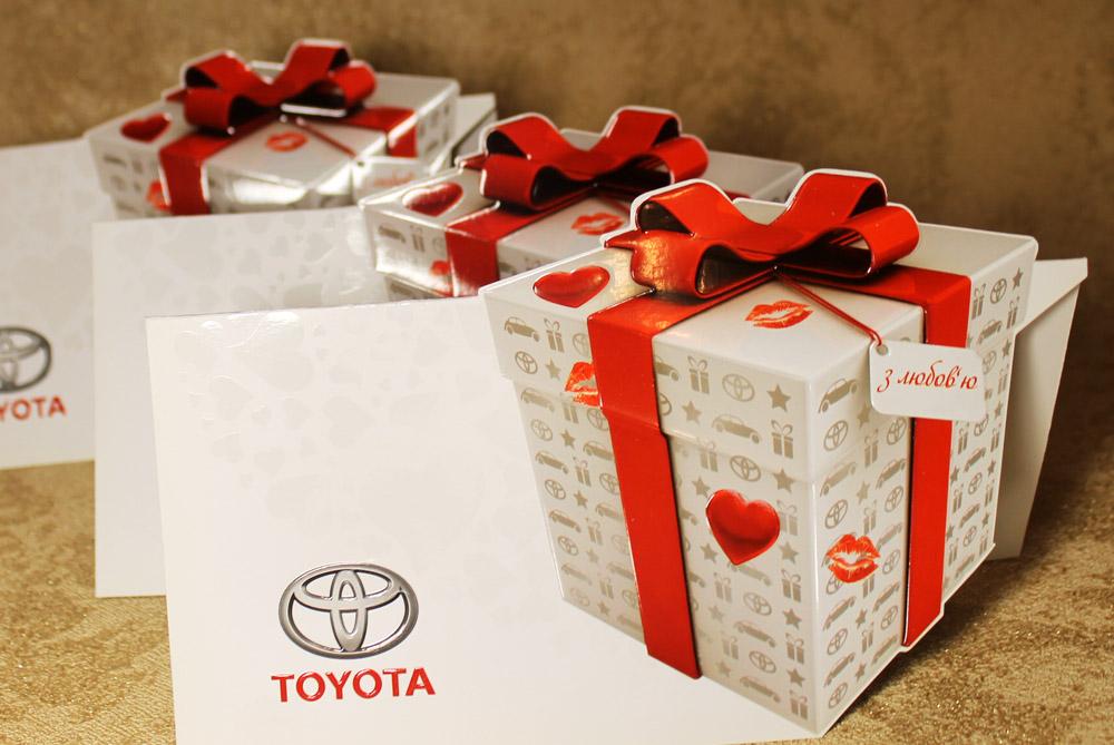 Открытка Toyota